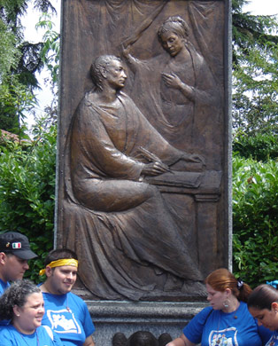 Bas relief of Augustine and Monica in the park